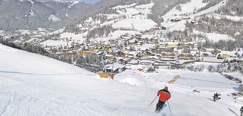 austria_bad-kleinkirchheim_village_skier.jpg